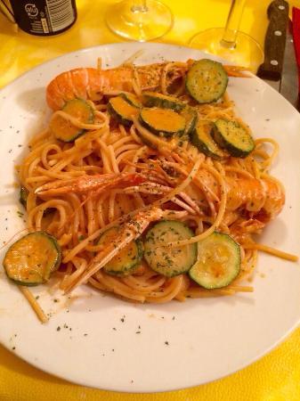 Il Portichetto : Spaghetti zucchine e scampi
