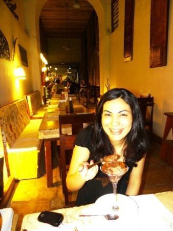 La Pizzeria: Amiga provando sobremesa