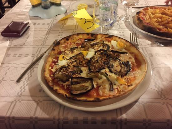 Chez Jean: Pizza alla parmigiana