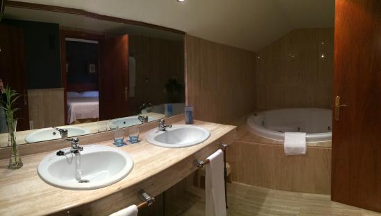 Hotel Segovia Sierra de Guadarrama: baño con hidromasaje