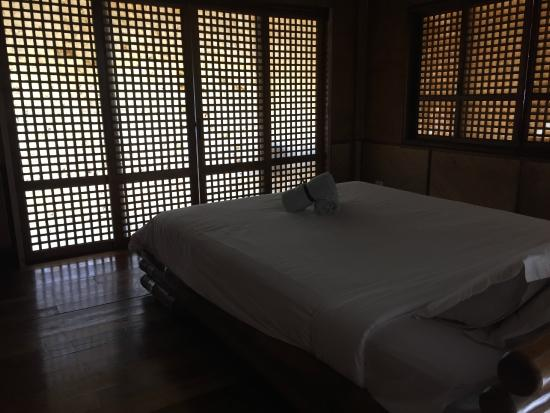 The Ananyana Beach Resort & Spa: Master bedroom in family suite, very spacious, opens to balcony facing beach.