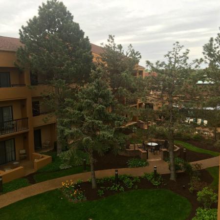 Courtyard St. Louis Westport Plaza: Center Courtyard