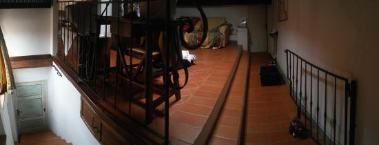 """Camere il Giglio: Una """"Panoramica"""" della mansarda:ingresso salone cucina."""
