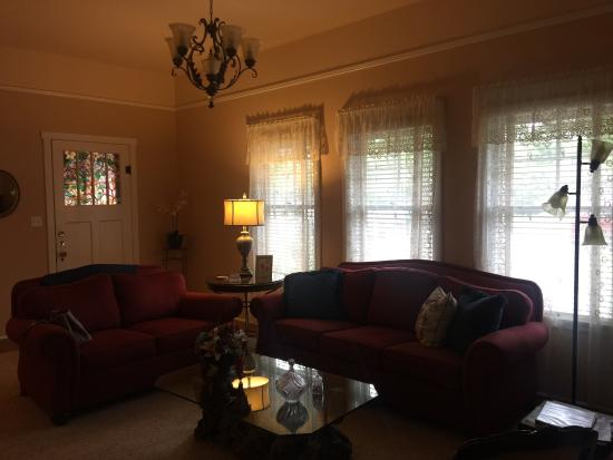 Magnolia House Bed and Breakfast : photo0.jpg