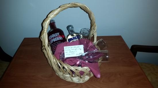 Clarion Hotel & Conference Center : Birthday Basket