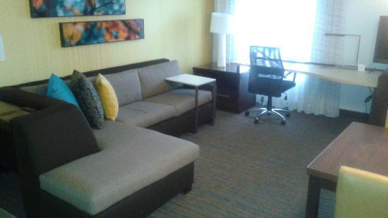 Residence Inn Springfield Chicopee : Living Room