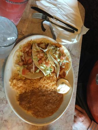 La Chimenea: Delicious Chicken Tacos