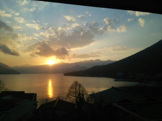 Hoshino Resorts KAI Nikko : 部屋からの夕陽