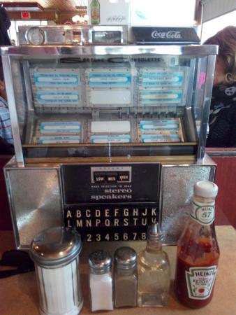 Green Spot Restaurant: Jukebox