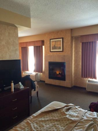 "Best Western Plus Muskoka Inn: ""Fireplace"""