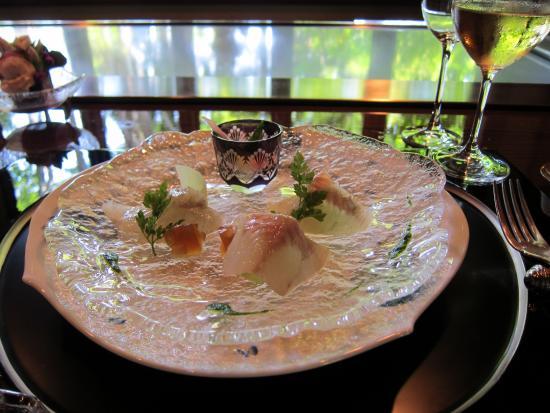 Azamino Ukai-tei: テーブルの雰囲気、良いですね。