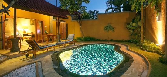 Parigata Villas Resort: Private pool
