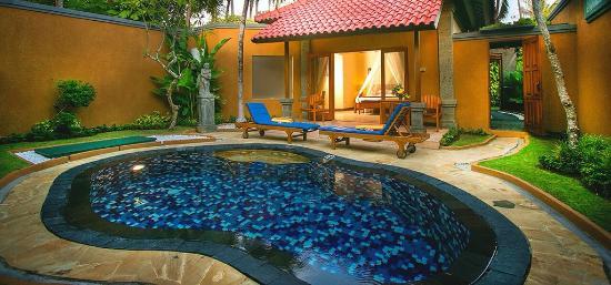 Parigata Villas Resort: Private pool