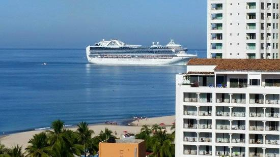 Cruise Ship Arriving In The Morning Picture Of Friendly Vallarta - Cruise ship schedule puerto vallarta