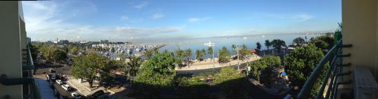 Aloha Hotel: Manila Bay in the morning