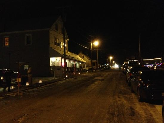 Ashley Rose Restaurant & Inn: Ashley Rose during Christmas Candlelight Walk