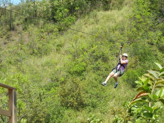 Skyline Eco Adventure : Ziplining 1200FT