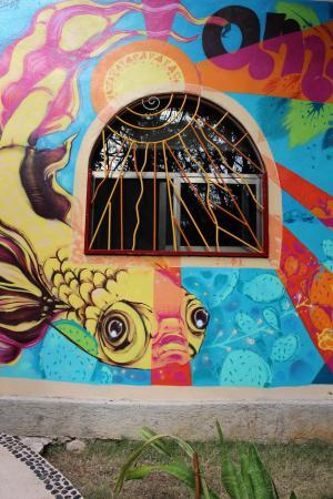 Villa ZenaLiza: Cool outdoor art by local artists
