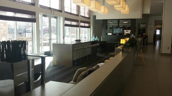 suite 202 bath picture of element denver park meadows. Black Bedroom Furniture Sets. Home Design Ideas