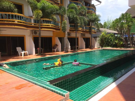 Buasri hotel bewertungen fotos preisvergleich patong for Swimming pool preisvergleich