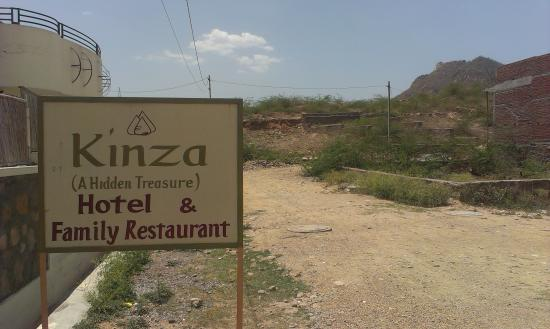 Kinza Hotel: hotel front