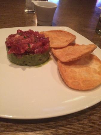 Simon Restaurant & Lounge : Entrada de atum