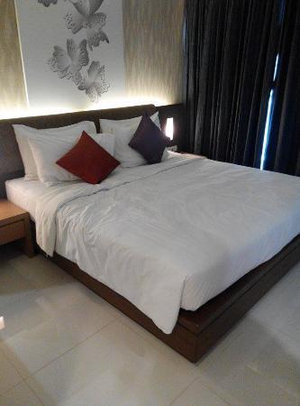 Eastin Easy Patong Phuket: room