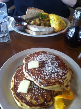 Stella's Cafe and Bakery: Pancakes