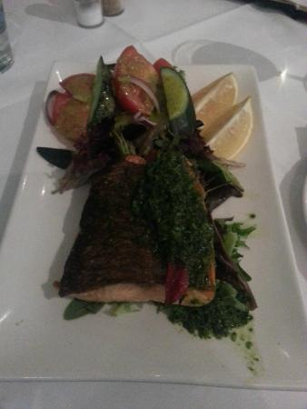 Sammy's On The Marina: Sammys Crispy Atlantic Salmon