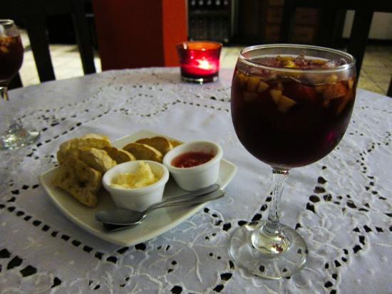 Estacion Atocha: Sangria and complimentary bread and butter