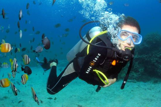 White Beach Divers: Guided diving in Boracay, Philippines
