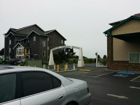 Cedars Ocean View Inn The Borders Bolstad Entrance To Beach