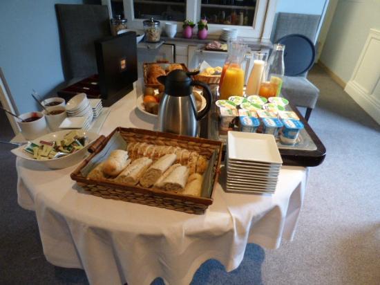 La Ferme des Mares: buffet petit dejeuner