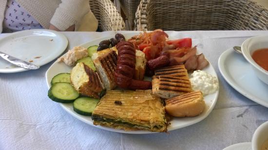 Sun Village: Breakfast!