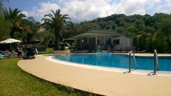 Sun Village: Smart, clean pool area