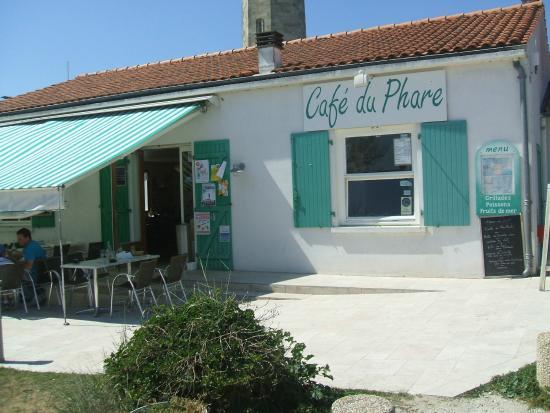facade bild fr n le cafe du phare saint clement des baleines tripadvisor. Black Bedroom Furniture Sets. Home Design Ideas
