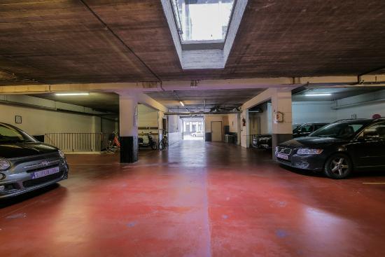 Budget Flats Antwerp: Parking