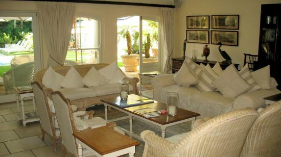 Constantia Valley Lodge: Lounge