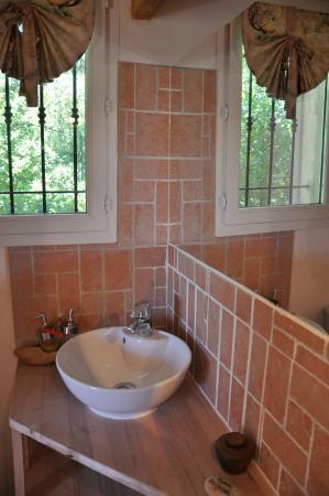 La Masure : Le Pigeonnier:salle de bains