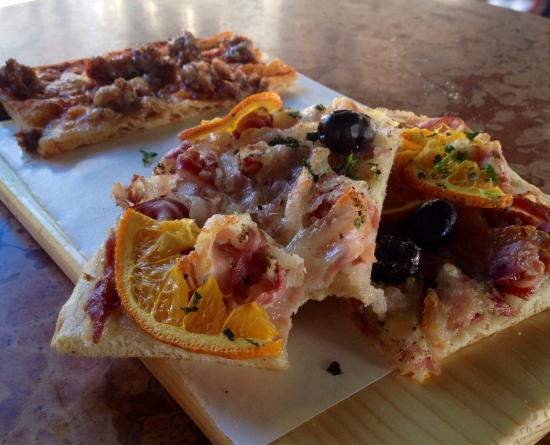Pizza & Mortadella: Pizza à la découpe