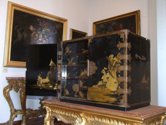Mobili antichi foto di museo correale di terranova for Foto mobili antichi