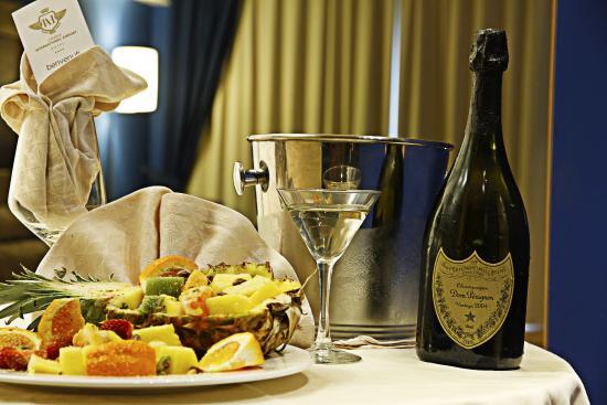 Catania International Airport Hotel: Suite room