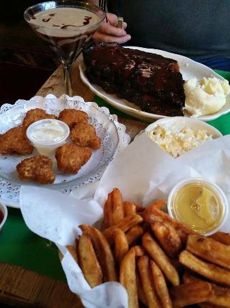 Rider's Inn: Dinner! YUM!