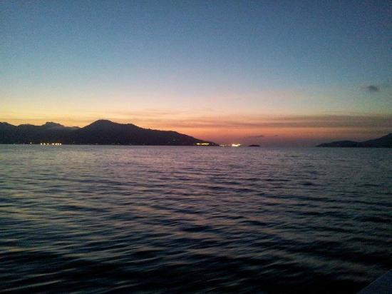 Pousada Nautilus : Mar e o nascer do sol