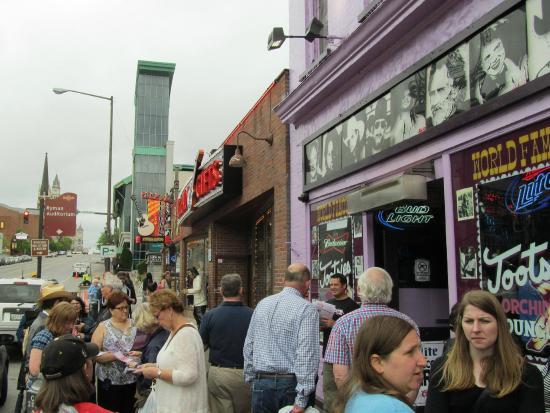 Walkin' Nashville - Music City Legends Tour: On Broadway in front of Tootsie's