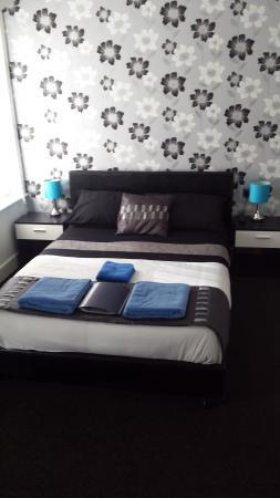 Sunrise Avenue Hotel: Family room for 5