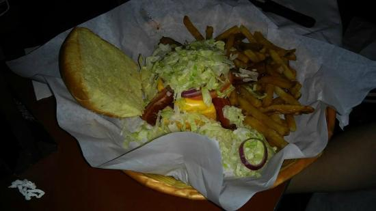 Stonewood Ale House: Bacon cheeseburger basket