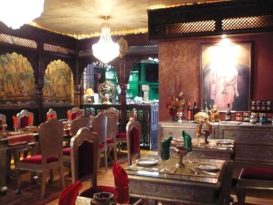 Maharaja Palace: Maharaja Royal