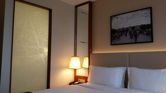 Crowne Plaza Paris - Neuilly : Premium-King-Bed