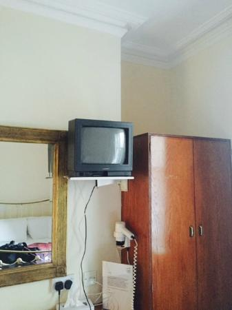 Esplanade Hotel: Old Fashion TV